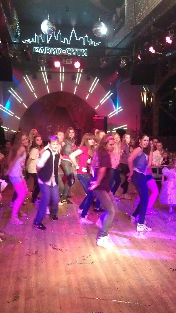 выступление танцы