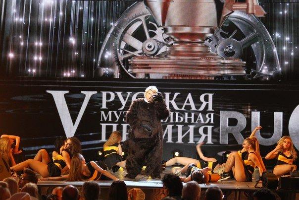 Николай Басков танцует тверк: танец стремительно покоряет эстраду