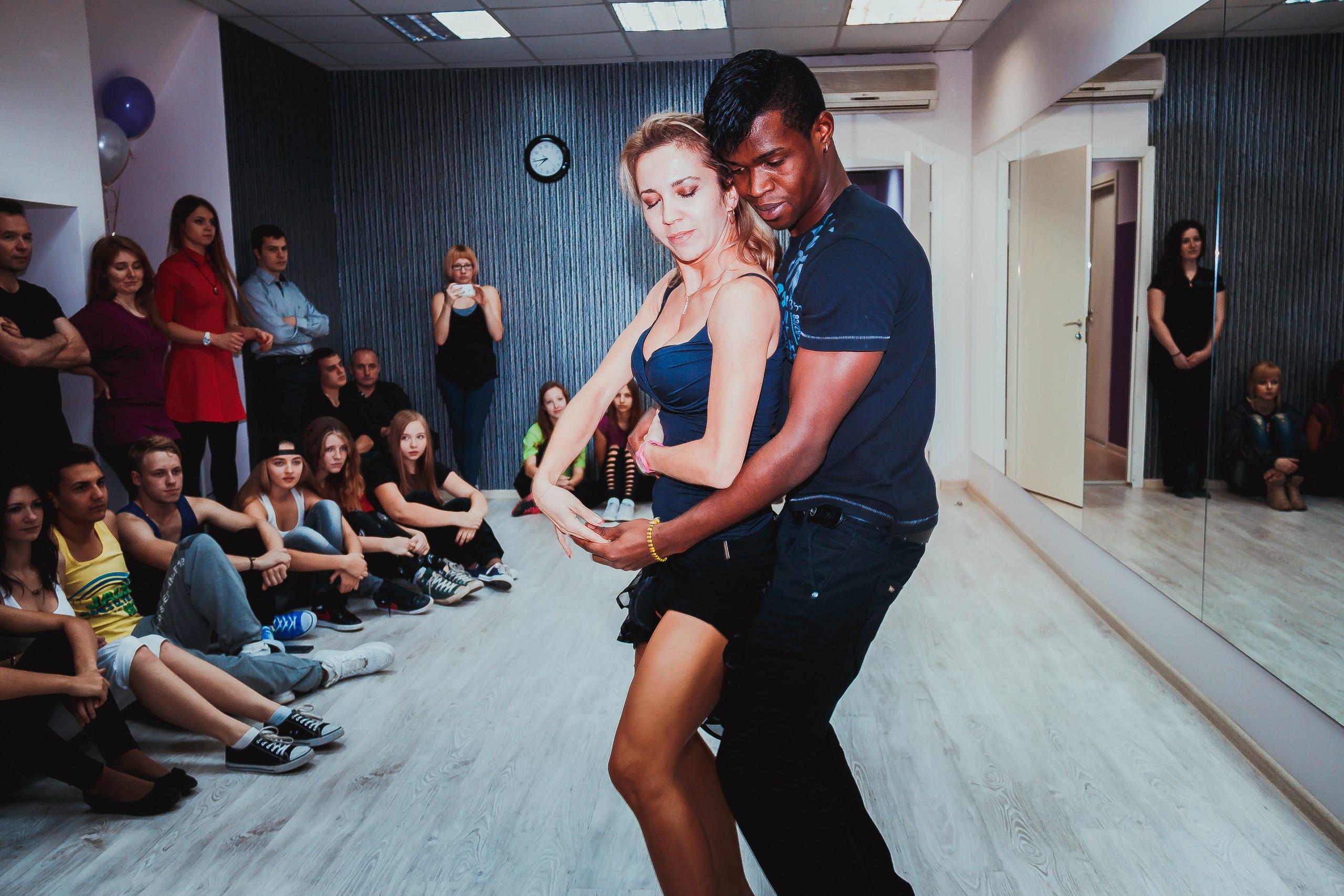 Бачата танцы в Трик Фэмили