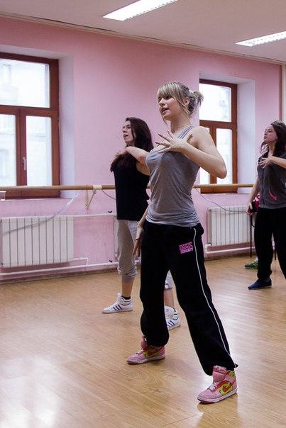 танцы для девушки это